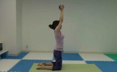 肘を伸ばして飛ばす上腕三頭筋を鍛えるトライセプス