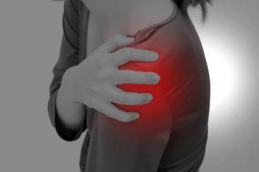 【ゴルフトレーニングの科学的根拠No.19】フォロースルーにおける肩後方の痛み